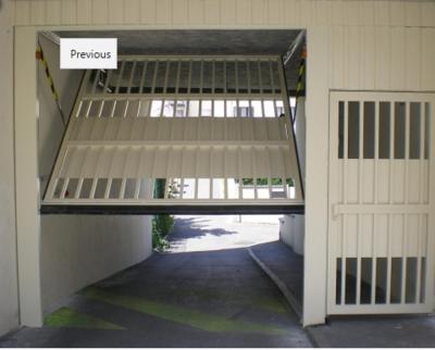 Porte de parking collectif
